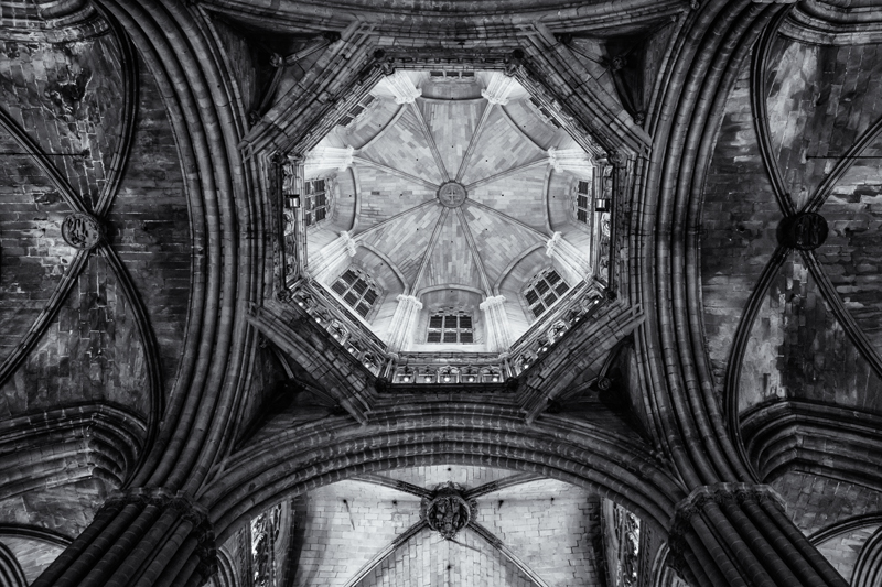 Cathedral Interior #6. Barcelona, 2013 (Metadata: f/4.5, 1/250, 27mm, ISO 3200)