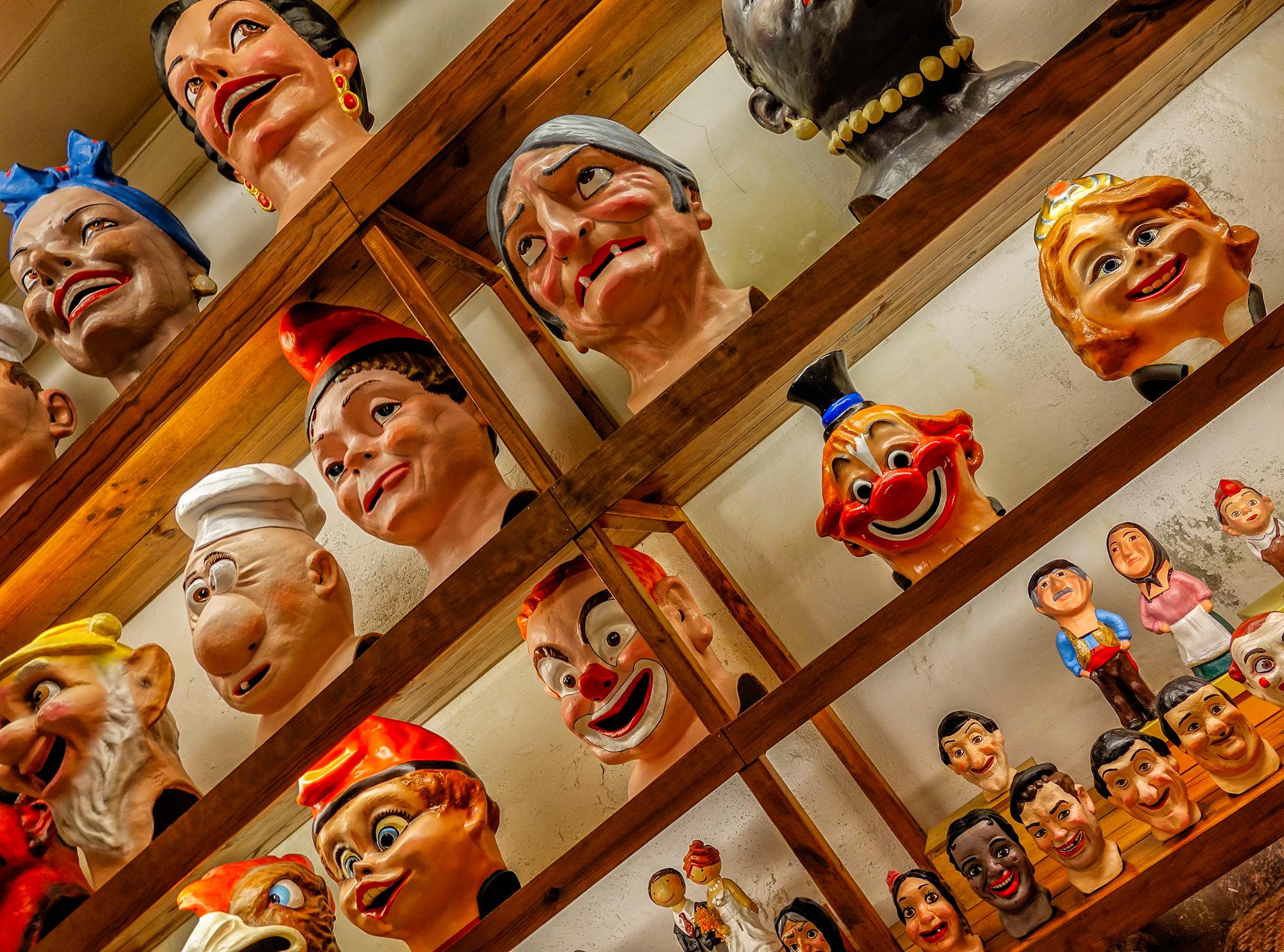 Heads at El Ingenio. Barcelona, 2015